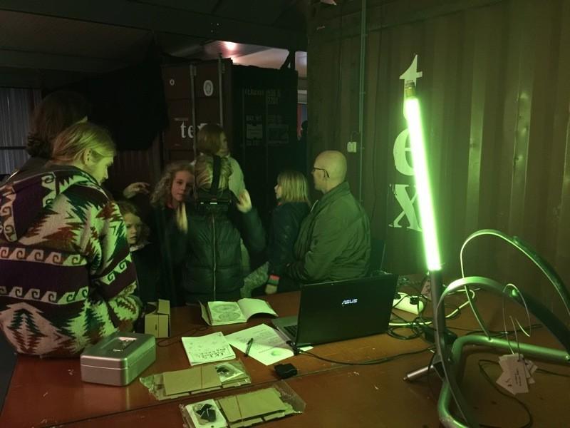 Kay Swart - Lamp, Sander Bos - Iki's Virtueel dagboek @NP3 M0Bi
