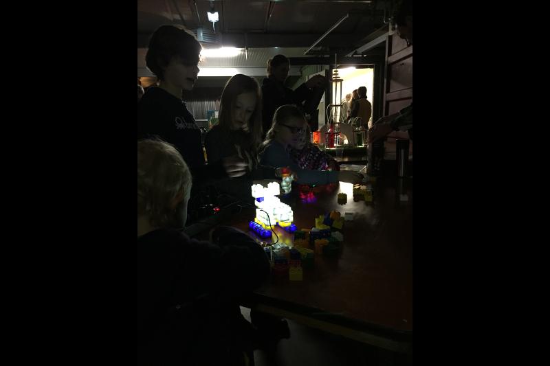 Workshops De Jonge Onderzoekers / Light Stax @NP3 M0Bi